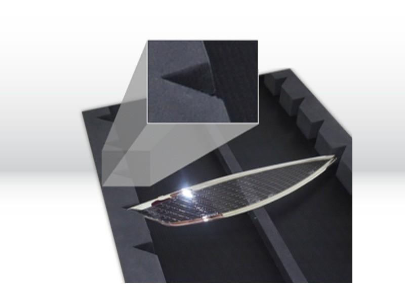 Behälter aus Hohlkammerplatten als Mehrwegtransportverpackung der Tillmann Verpackungen Schmalkalden GmbH mit produktspezifischer Aussparung für sicheren Transport der Produkte