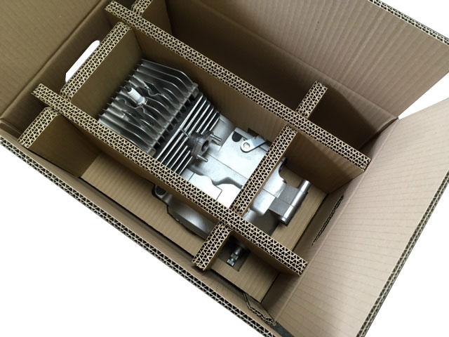 Wellpappe-Verpackung für einen Motorblock