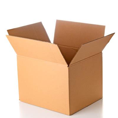 Ein geöffneter Karton aus dem Sortiment der Standardverpackungen von Tillmann Verpackungen Schmalkalden